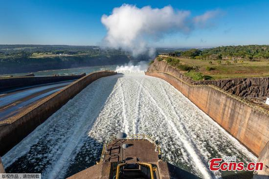 Brazil-Paraguay dam to release water to aid Argentine grain shipments