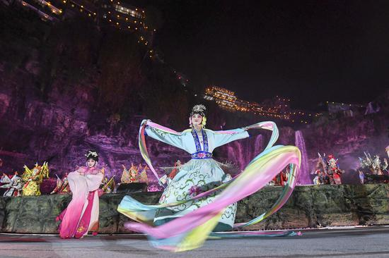 Hunan stages a 'Guochao' show to promote traditional culture